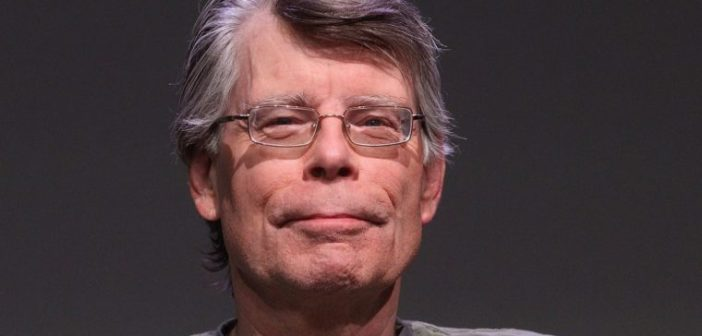 "Stephen King libera, gratuitamente, novo conto pelo twitter: ""Aperitivo antes de The Outsider"""